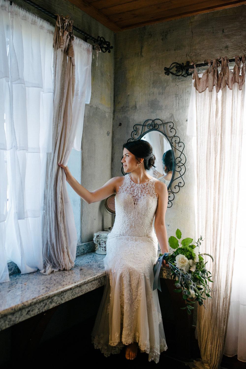 casperwedding-texasweddings-houstonweddings-oldedobbestation-montgomerytx-montgomeryweddings-bride-groom-bridalparty-weddingdress-24.jpg