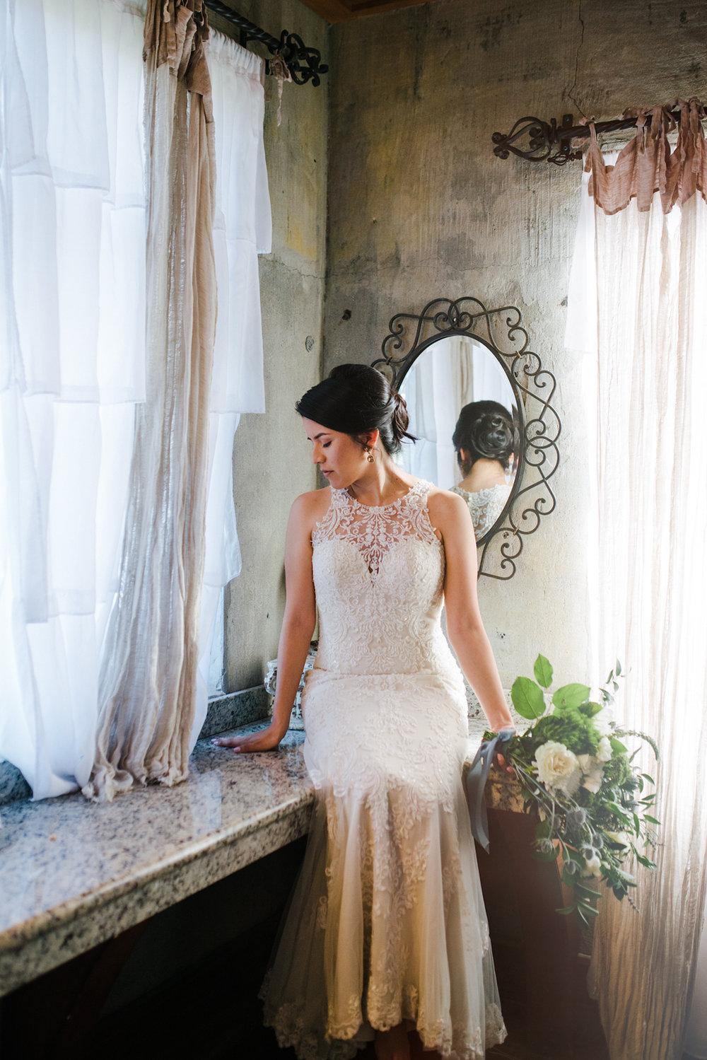 casperwedding-texasweddings-houstonweddings-oldedobbestation-montgomerytx-montgomeryweddings-bride-groom-bridalparty-weddingdress-25.jpg
