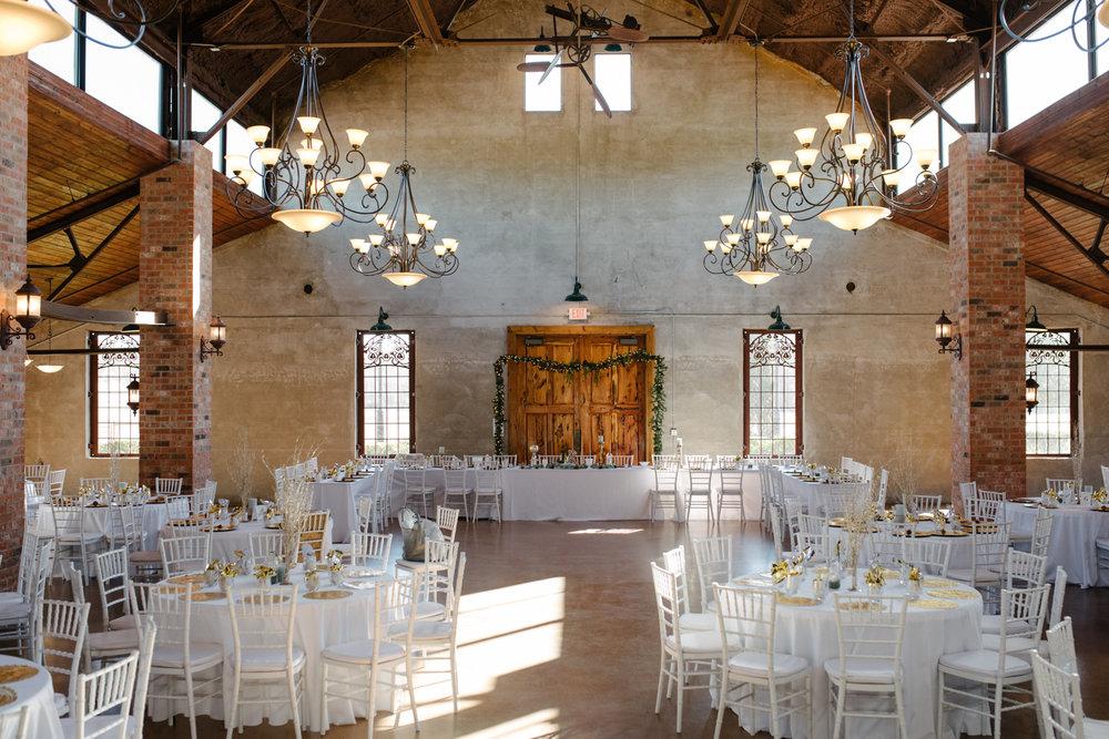 casperwedding-texasweddings-houstonweddings-oldedobbestation-montgomerytx-montgomeryweddings-bride-groom-bridalparty-weddingdress-32.jpg