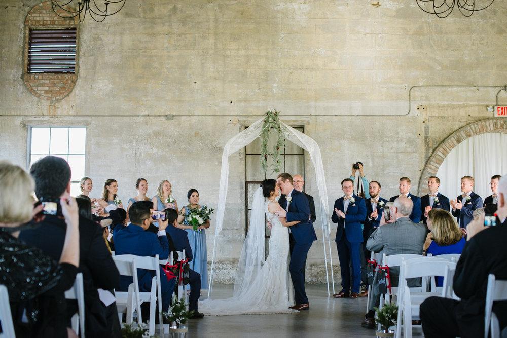 casperwedding-texasweddings-houstonweddings-oldedobbestation-montgomerytx-montgomeryweddings-bride-groom-bridalparty-weddingdress-50.jpg