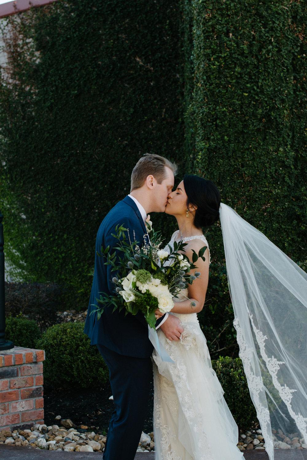 casperwedding-texasweddings-houstonweddings-oldedobbestation-montgomerytx-montgomeryweddings-bride-groom-bridalparty-weddingdress-56.jpg