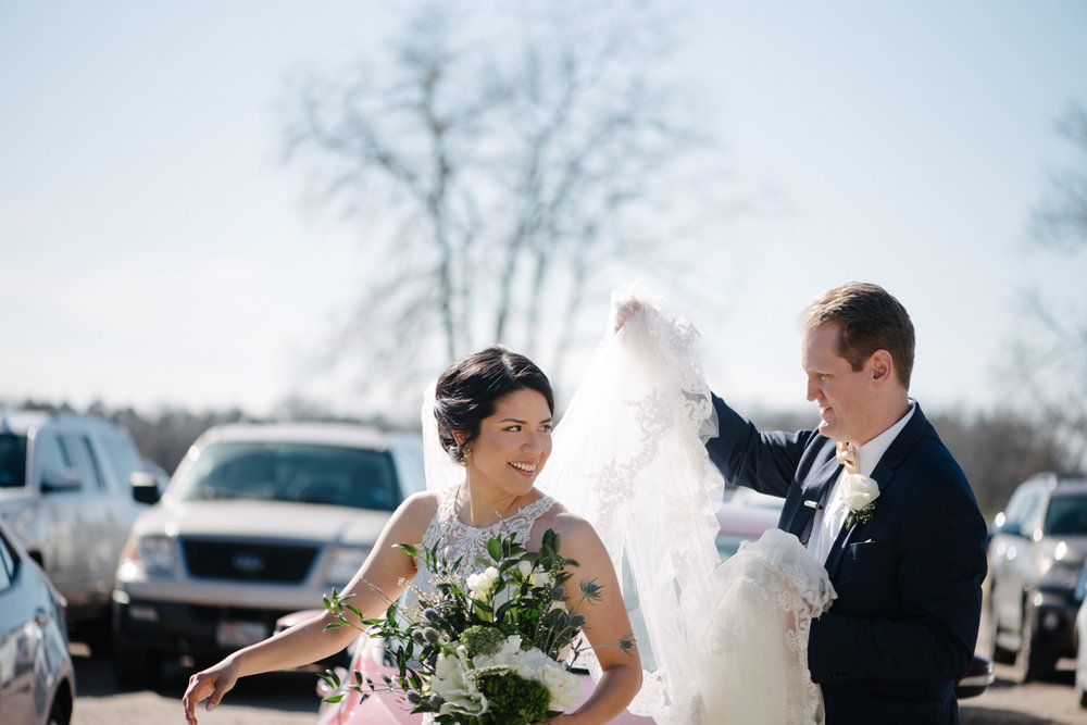 casperwedding-texasweddings-houstonweddings-oldedobbestation-montgomerytx-montgomeryweddings-bride-groom-bridalparty-weddingdress-58.jpg