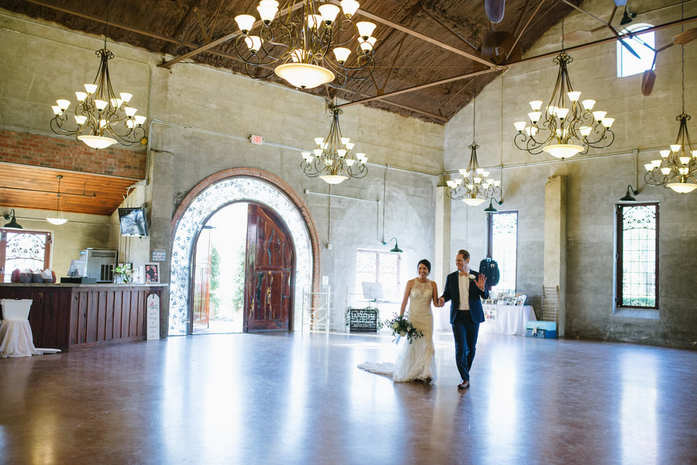 casperwedding-texasweddings-houstonweddings-oldedobbestation-montgomerytx-montgomeryweddings-bride-groom-bridalparty-weddingdress-72.jpg