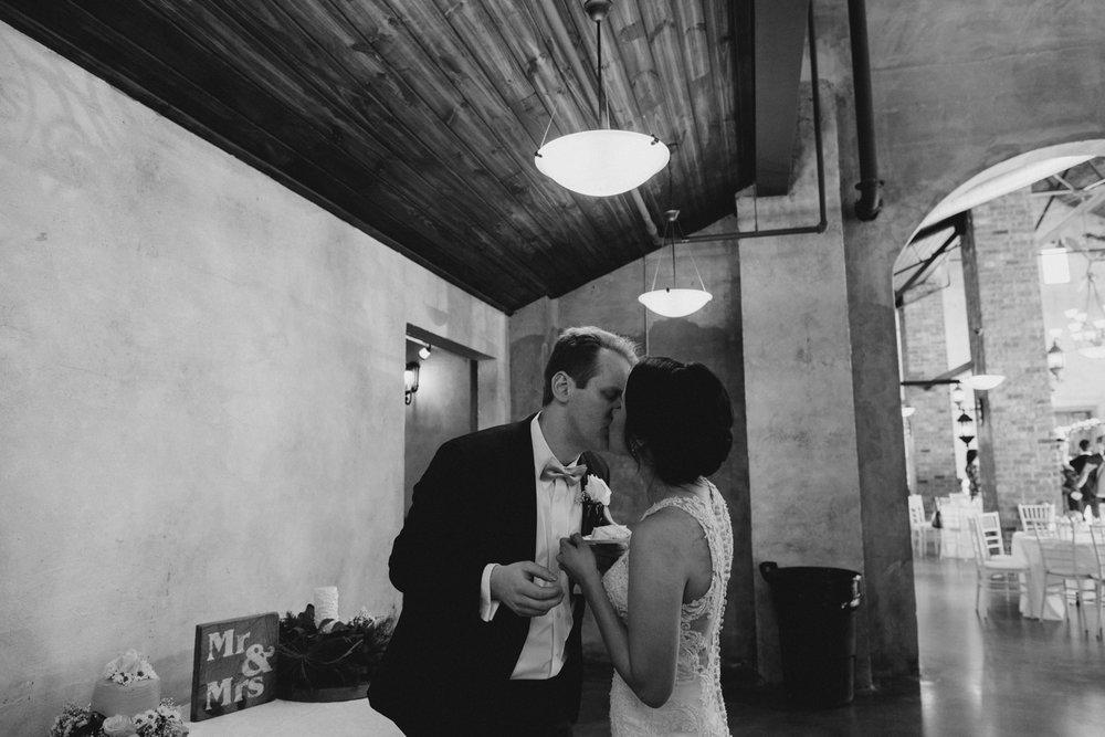 casperwedding-texasweddings-houstonweddings-oldedobbestation-montgomerytx-montgomeryweddings-bride-groom-bridalparty-weddingdress-90.jpg