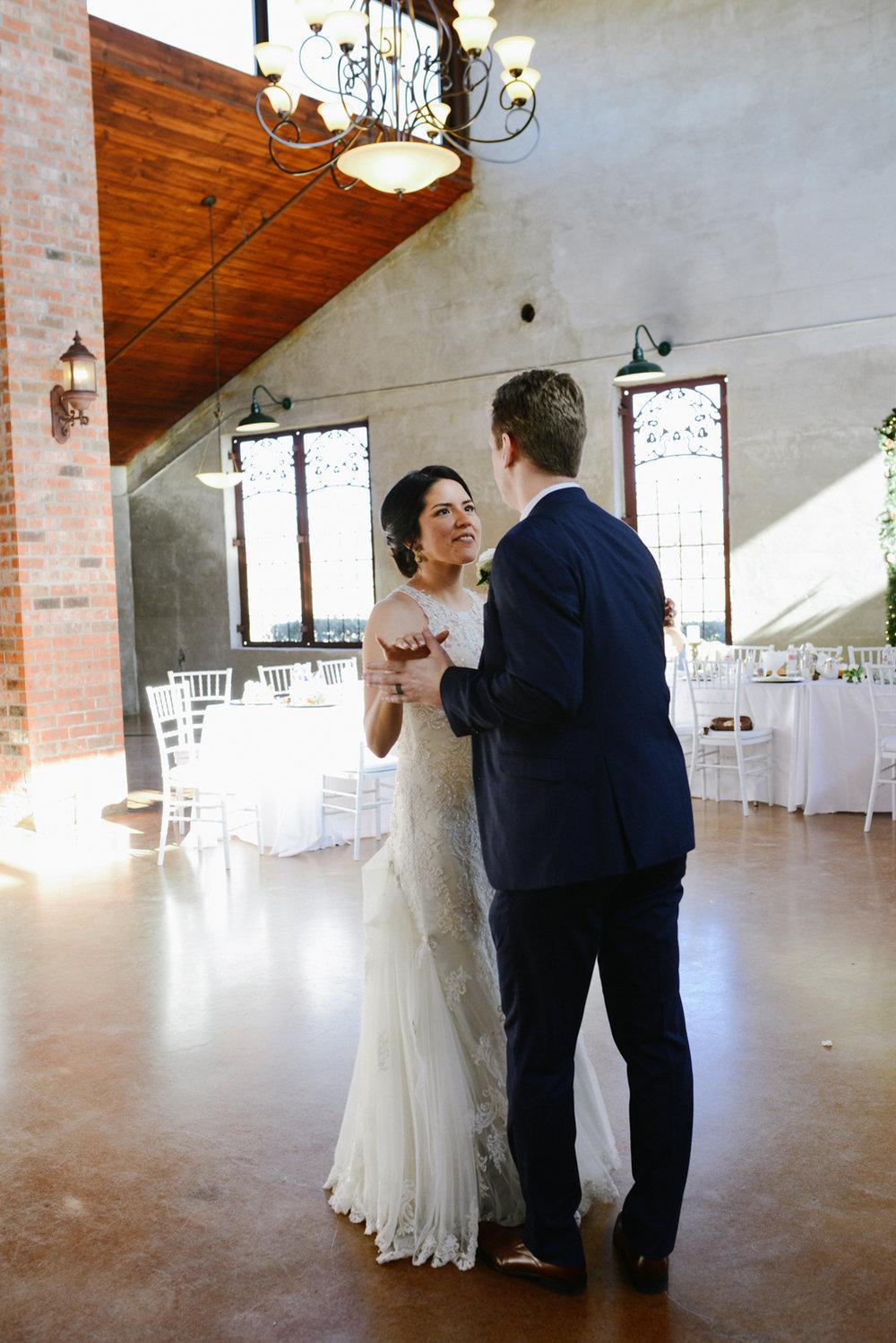 casperwedding-texasweddings-houstonweddings-oldedobbestation-montgomerytx-montgomeryweddings-bride-groom-bridalparty-weddingdress-96.jpg