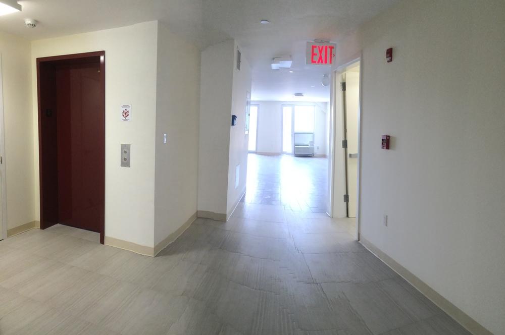3rd & 4th floor elevator entryway