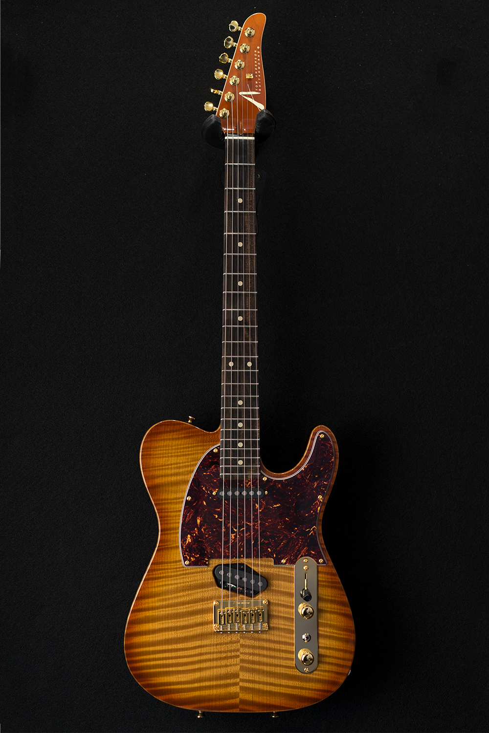 01-15-18A_fup_Top T Classic_Honey Shaded Edge-caramel maple.jpg