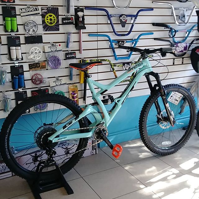 #thebikelery is open until 6pm today! 2018 #gtbicycles Sanction Expert Enduro Complete #Bicycle Regularly $3399.99 #teambikelery price $2599.99