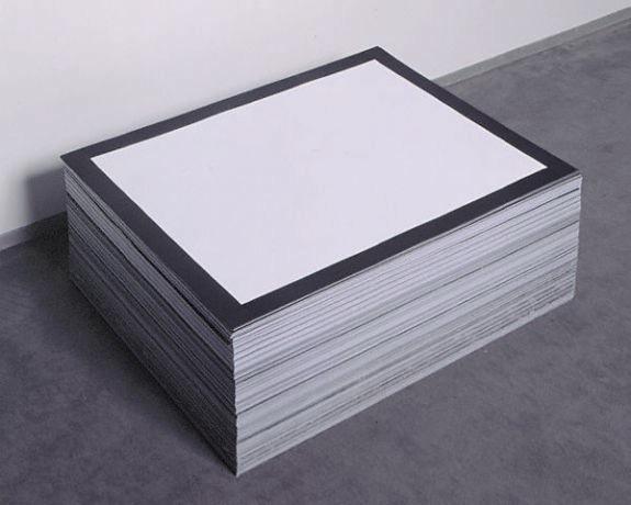 Felix Gonzalez-Torres, Untitled (The End) , 1990.