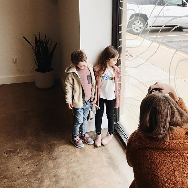 When ya girl @katiejameson comes in town and takes some photos of your kids on a whim 😍 #minicieris