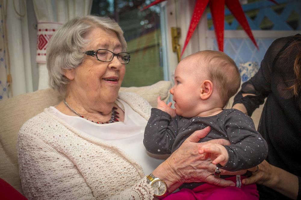 Gammelmormor O Minou