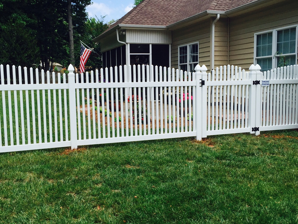 Vinyl Fence Crown Fence