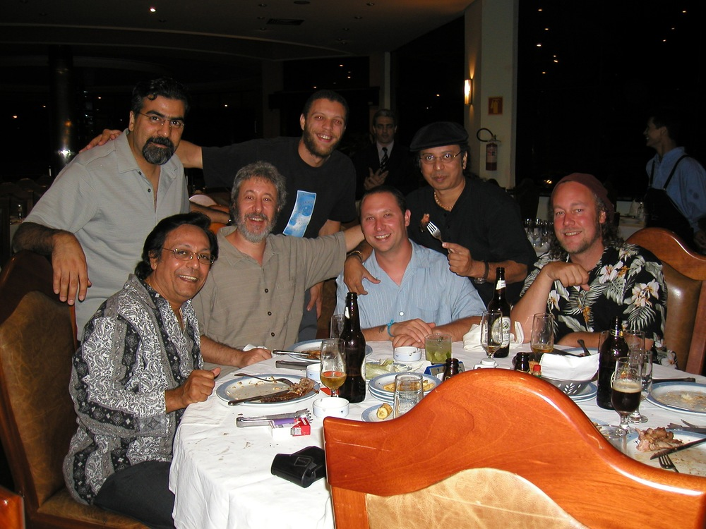 Hands On'Semble - Pandit Swapan Chaudhuri, Houman Pourmehdi, Adam Rudolph, Andrew Grueschow, Randy Gloss, Poovalur SrijiAustin Wrinkle, Campinas Brazil 2004.