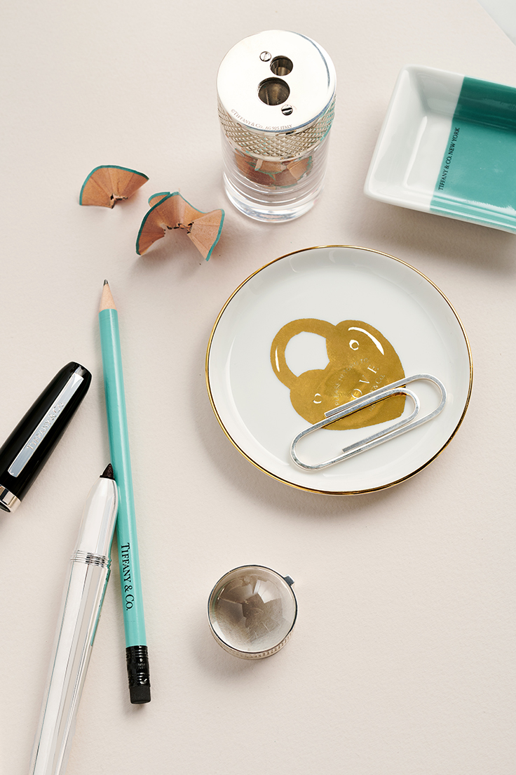 MyDomaine_TiffanyCO_Gifting_Social_PIN.jpg