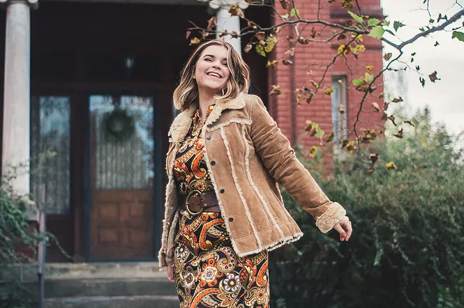 Vintage Etsy Fall Fashion | Carmen Brandy