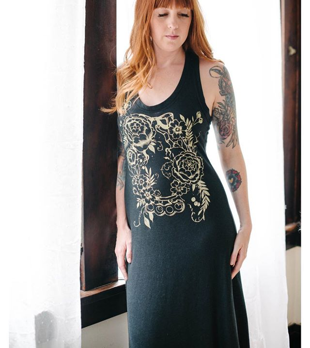 I found one racer back maxi dress in a large when I was spring cleaning. It's online for $30! It was $60. Alternative Apparel no longer makes this popular dress style so this is your last chance to get one! Link in profile.