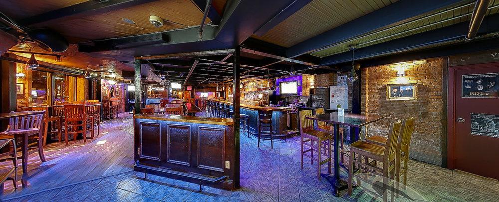 Bar- Spectacles Le Quartier de Lune by Arold Blanchet. Novembre 2016 (Qc)