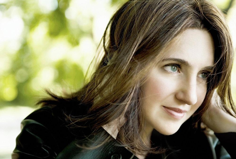Piano soloist Simone Dinnerstein
