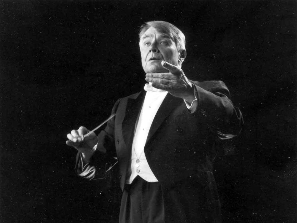 Conductor Robert Shaw