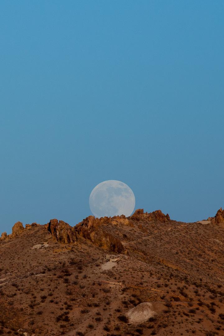 Moonrise, Willow Creek, California
