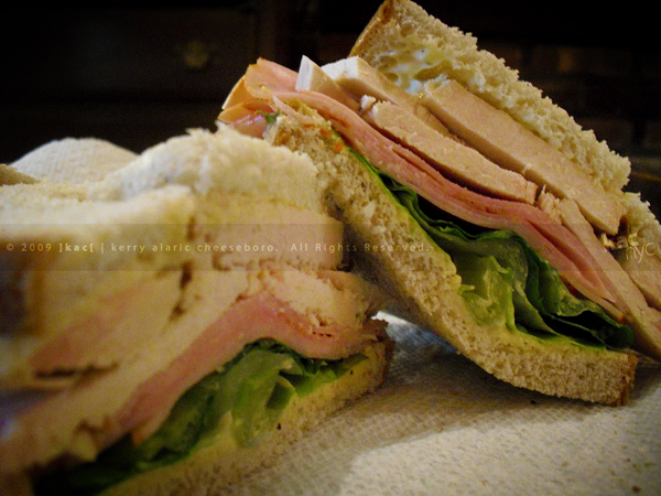 kac_091023_phude_turkey_sandwich_10_600