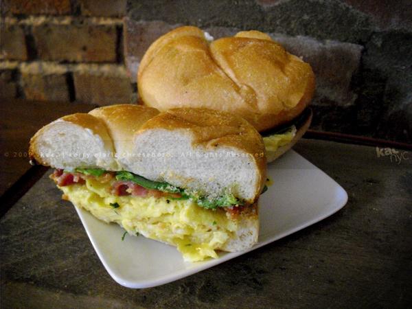 kac_091219_phude_egg_sandwich_7_600