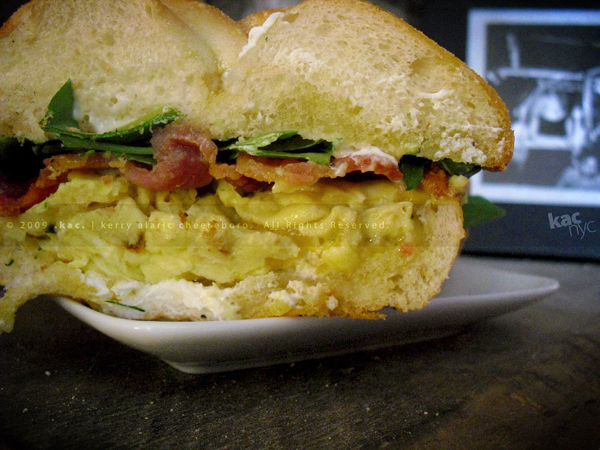 kac_091219_phude_egg_sandwich_9_600