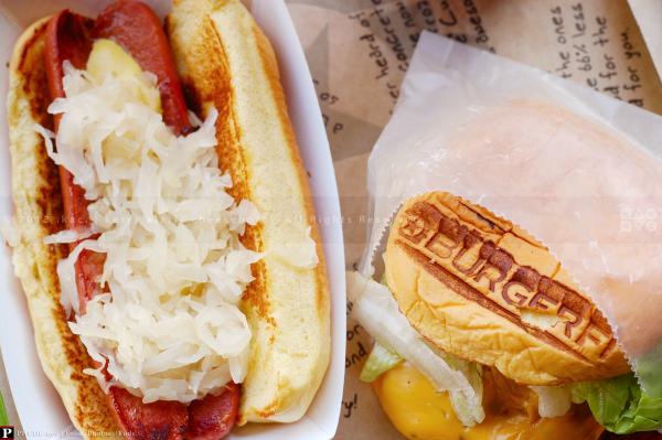 BurgerFi NYC Style Hot Dog & Cheeseburger