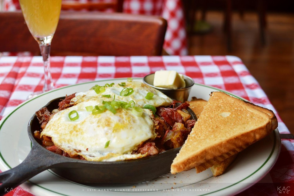 Corned Beef Hash with Fried Eggs | Dorrian's Red Hand | Upper East Side, NYC