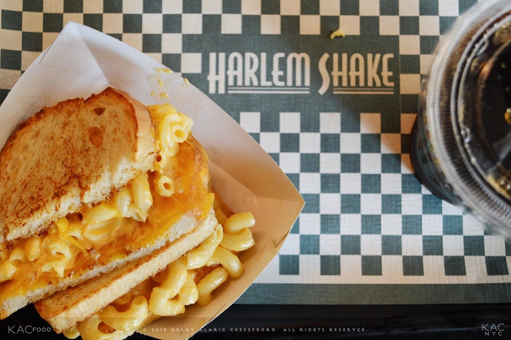 GRILLED MAC 'N' CHEESEBORO | Grilled Macaroni and Cheese Sandwich | HARLEM SHAKE | Harlem, NYC