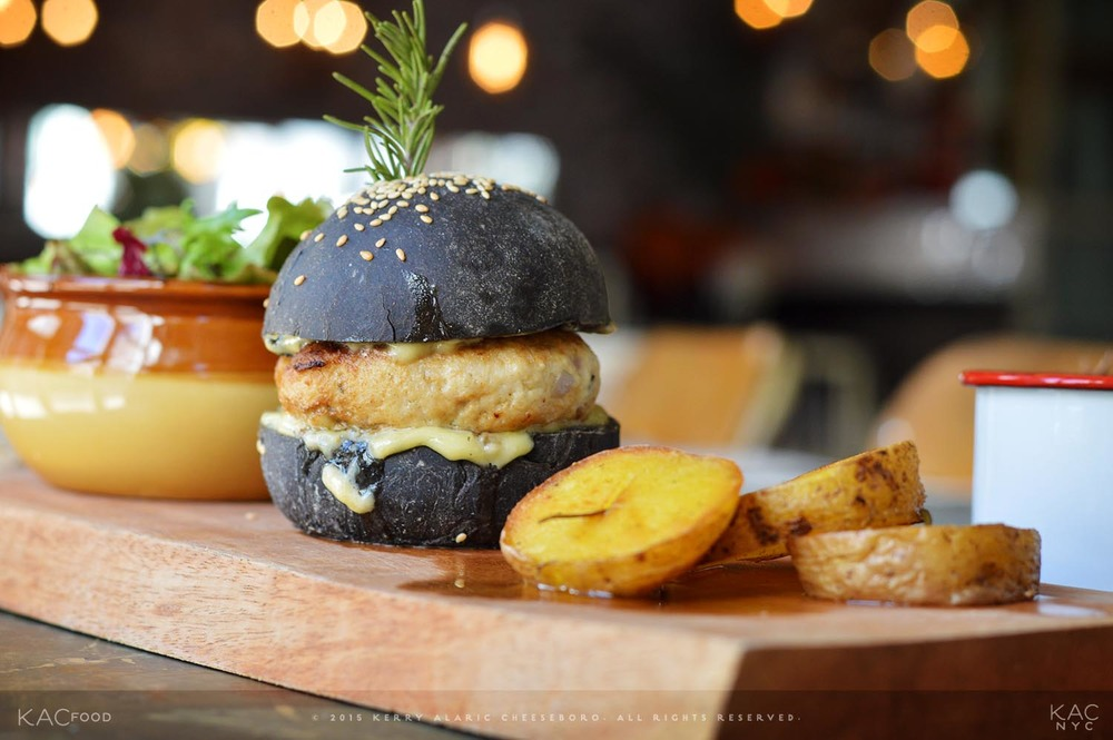 HAMBURGER DI PESCE | American Fish Burger with Squid Ink Sesame Bun | OFICINA 1000 MIGLIA | Little Italy, NYC