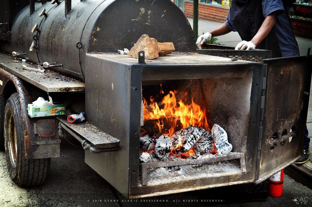 kac_food-160524-wandering-que-festival-smoker-1500.jpg