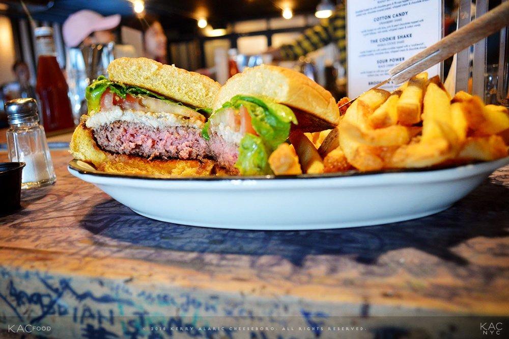 kac_food-160916-black-tap-steak-au-poivre-burger-4-1500.jpg