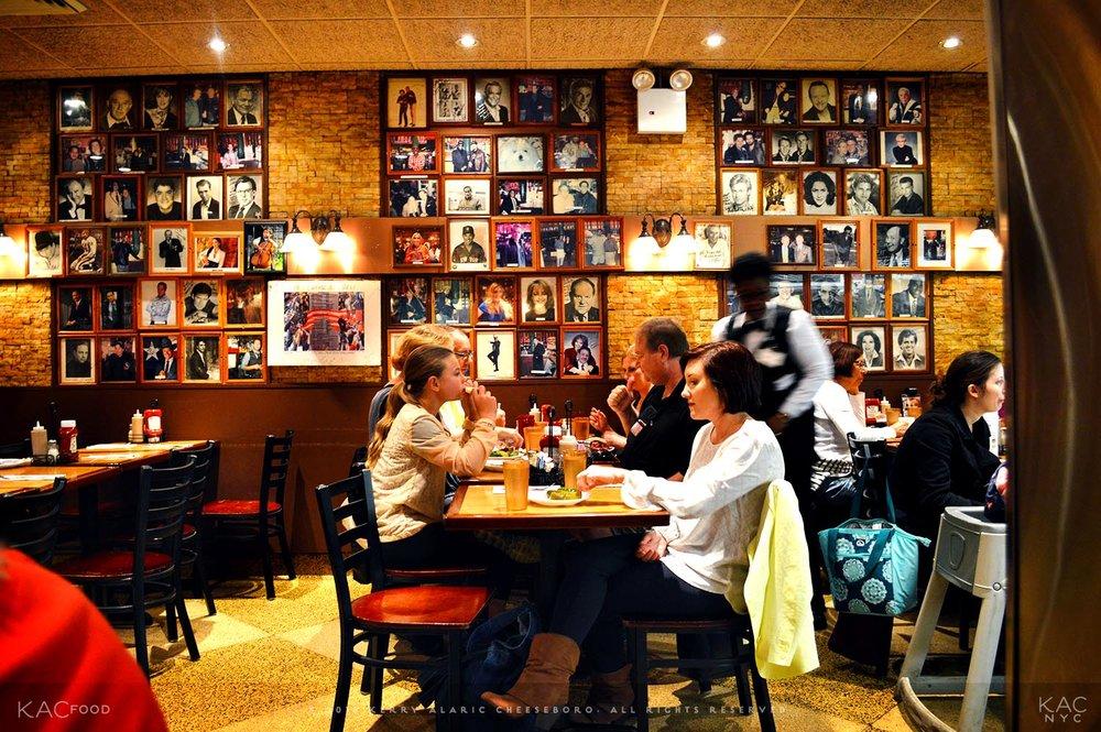 kac_foodo-161020-carnegie-deli-dining-room-2-1500.jpg