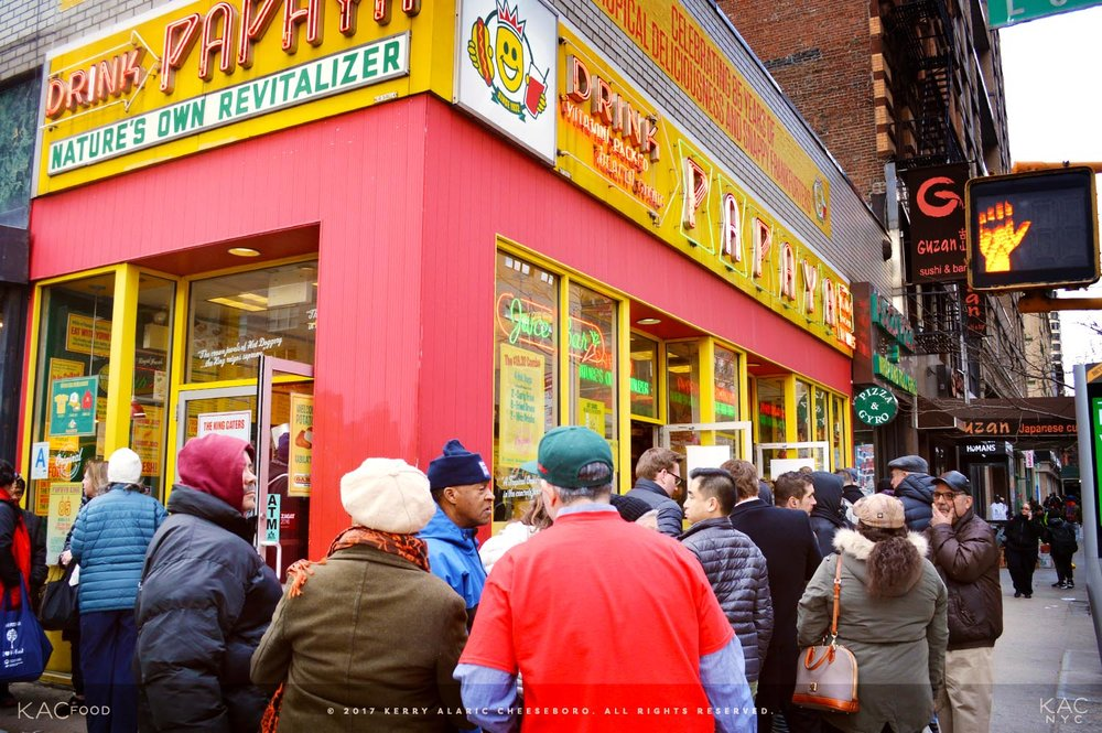 kac_food-170310-papaya-king-franks-line-outside-1-1500.jpg