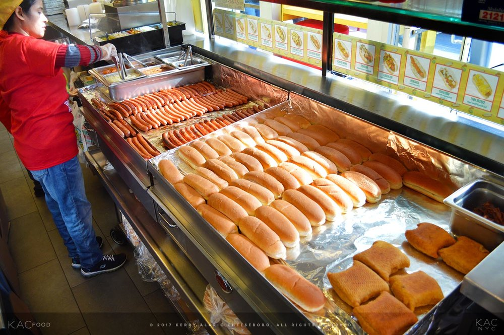 kac_food-170310-papaya-king-franks-prep-1-1500.jpg