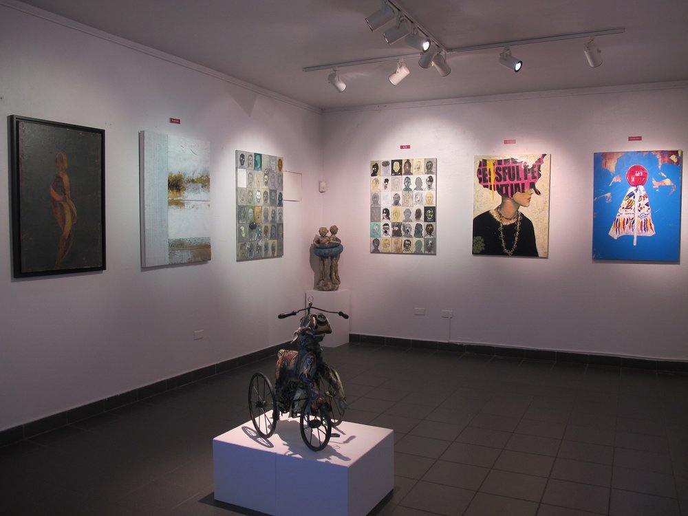 H 1 Galeria.jpg