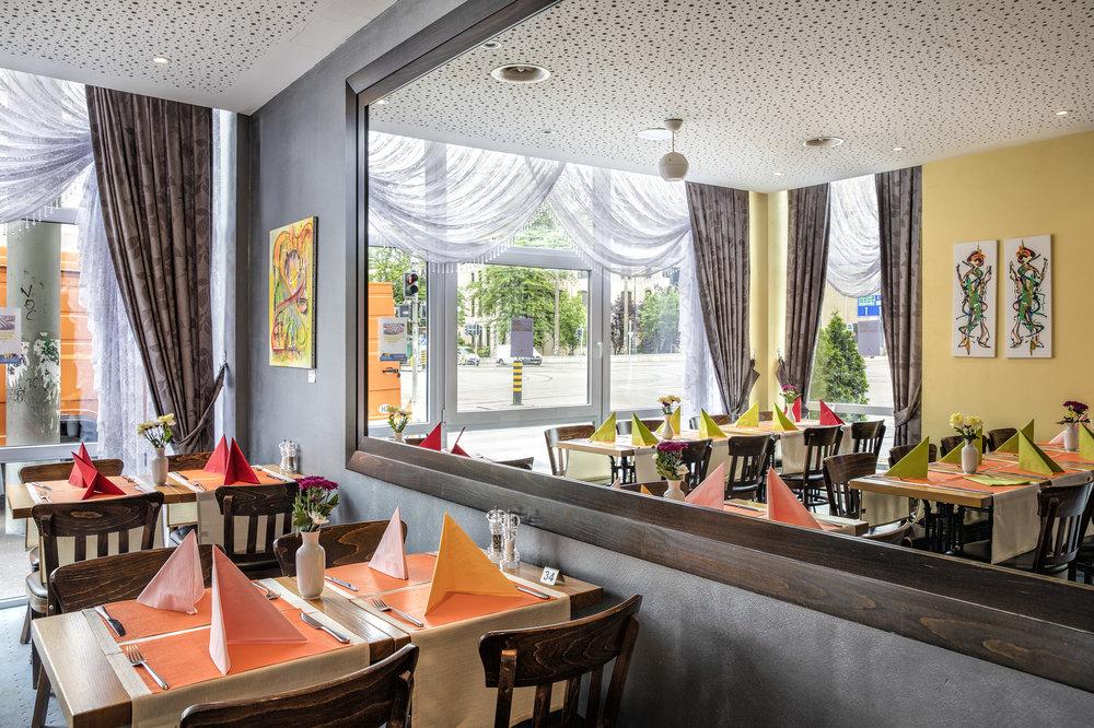 Restaurant-7335_web.jpg
