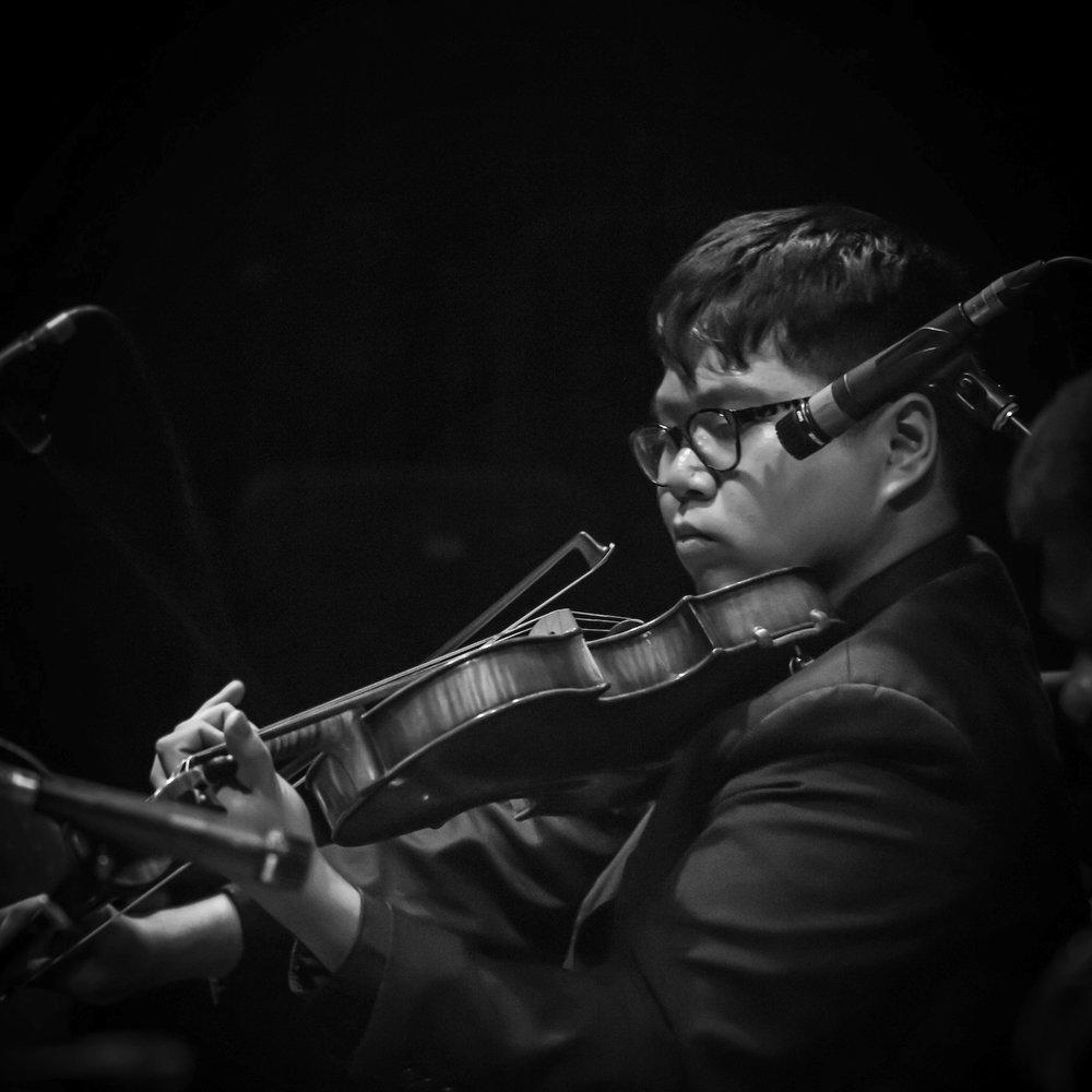 Benjamin Wong - viola / violin