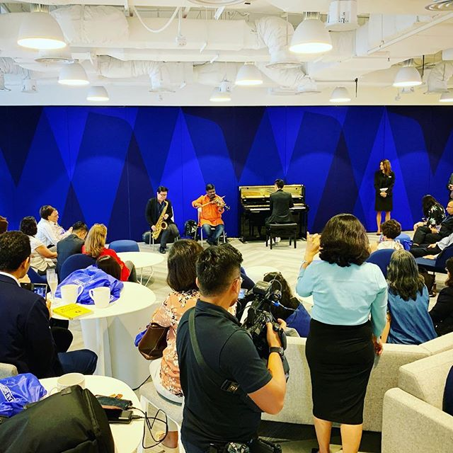 Music director @tzetoh with our soloists Lazar T.Sebastine (Indian violin) and Teo Boon Chye (sax) performing and sharing about leadership, improvisation at Duke Corporate Education's recent Human Conference program  #DukeHumanDIfference #contemporary #music #ensemble #fusion #originalmusic #indianviolin #piano #sax #jazz #carnaticmusic #filmscore #composer #musician #pianist #instamusic
