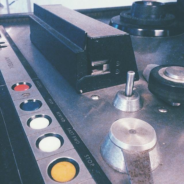 The mixes have begun with the boss Karim himself and it's sounding as sexy as a tenor sax 🎷🎷 (at Estudios Reno)