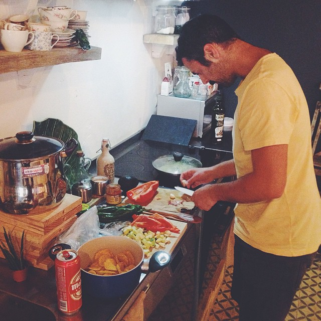 Our Italian drummer making Mexican fajitas. Perfect break in our recording sessions. (at El Invernadero)