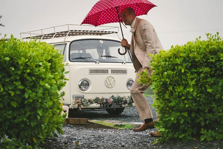 I love this shot I took of my #vwbus… Even in the rain he looks happy! :-) #Ernest #VSCO #weddingphotography #devonwedding #trevenna #vwcampervan #kombi #baywindow #volkswagen #aircooled (at Yeti Photography)