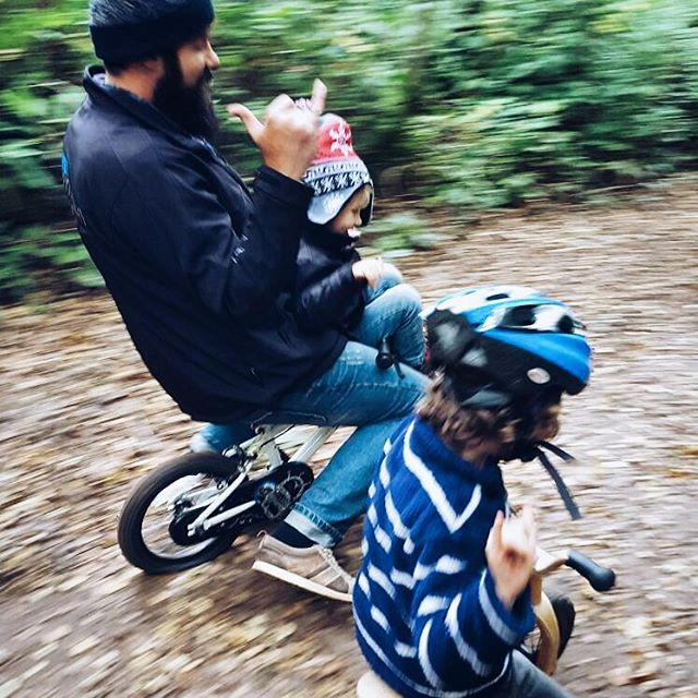 #boys #daddy #bike #balancebike #gnarly #woods #race #tobig #flattyre #VSCOcam #VSCO #bigkid