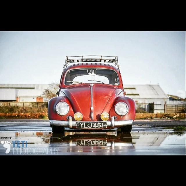 #Hayburner shoot from last year of Lukes awesome #beetle. #slammed #vwbug #volkswagen #slammed #lowandslow #garnet #reflection #spotlight #puddle #nikon #automotive
