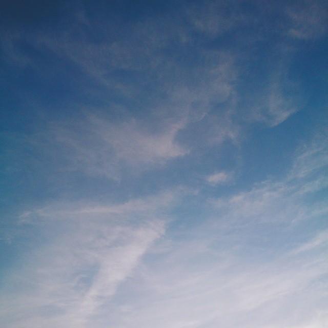#vscocam #vsco #sky #evening #blue #clouds #whispy