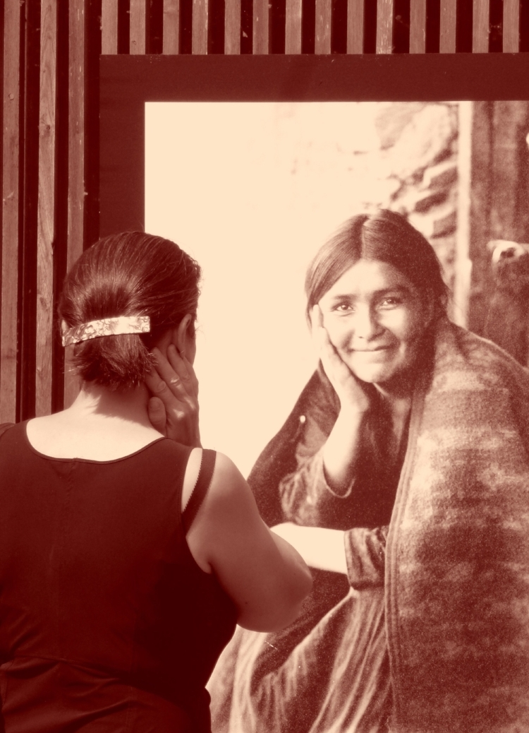 A la croisée des regards. Jeune femme Navajo