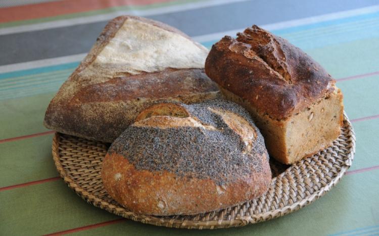 Le merveilleux pain du Landreau, Loire Atlantique de la Scop Pain Virgule : savoureux, odorant, moelleux, et consommable une semaine après sa cuisson.