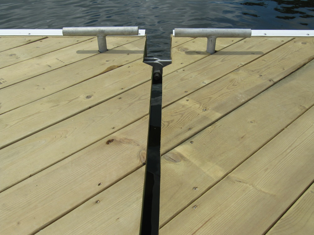 Recreational Dock Hinge Connection