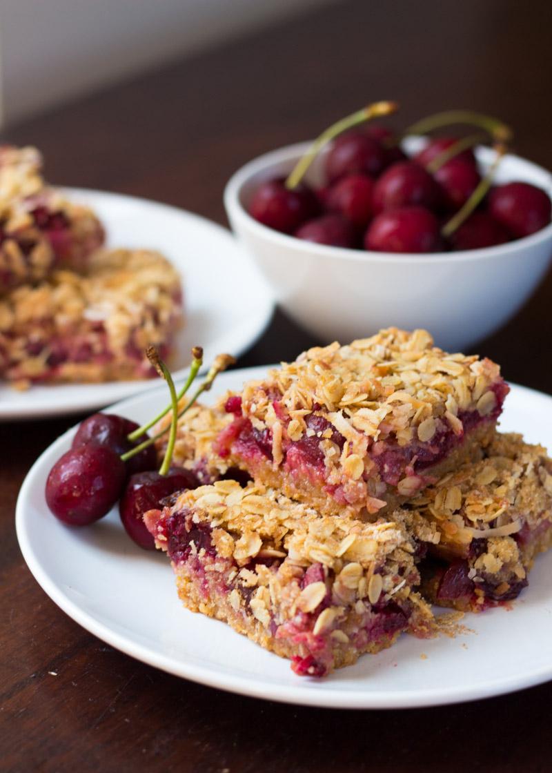 cherryCoconutOatmealBars-5.jpg